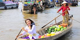 floating-market-can-tho-mekong-delta-vietnam-holiday-Oriental-Colours.jpg