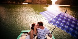 Honeymoon-in-halong-bay-oriental-colours.jpg